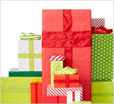 クロックス ギフトガイド -Gift Guide- ホリデーシーズンのギフトにぴったりな快適シューズをご紹介!クロックス公式オンラインショップ。公式ならではの豊富な品揃え。送料無料。最短翌日お届け。お電話でのご注文受付中!